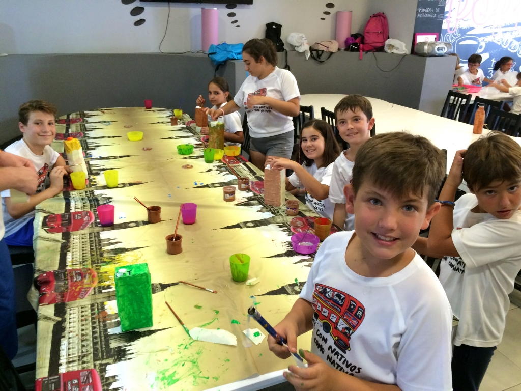 big-group-painting