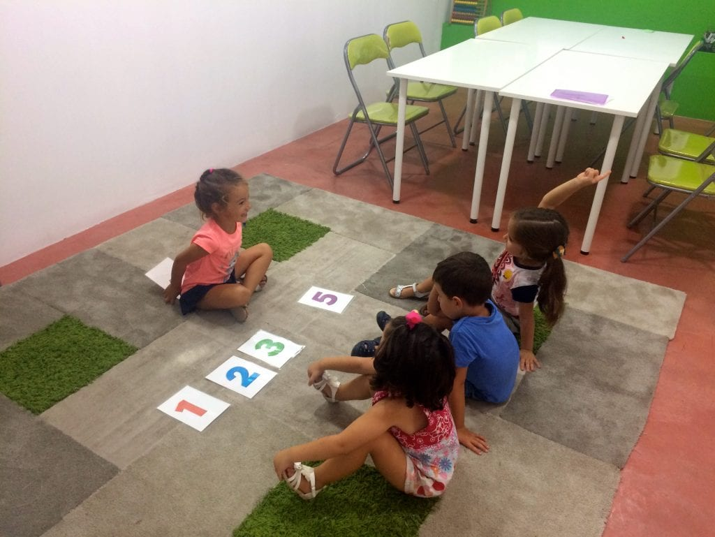 educational games in Campus Inglés - remember the missing number?