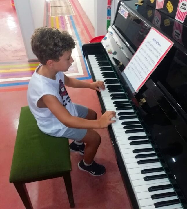 music in Campus Ingles